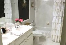 fab baths / Style and taste that make even the smallest rooms inviting.