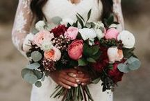 Bridal Bouquets & Wedding Florals / Wedding day florals, everything from bouquets and centrepieces!
