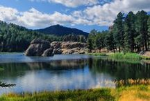 State and National Parks / Live life outdoors! South Dakota is home to many both State and National Parks.