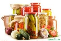 Homemade: Canning/Freezing/Seasonings/Mixes & More / by Elizabeth Weeks