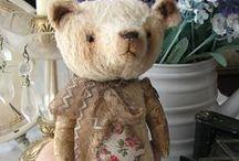 Woollybuttbears / All handmade by moi.