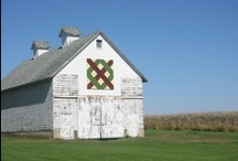 Quilts on Barns / by Sharon Cumings