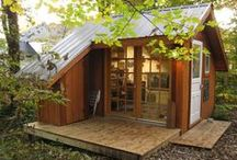Tiny Houses and Beyond / Living a simple life, downsizing, lowering the cost of living and impact on the environment. How to live in a small space.