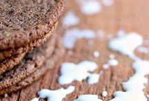 Cookie Recipes / Cookie recipes from the interwebs that I totally dig! Chocolate, chocolate chip, coconut, snickerdoodles, sugar cookies, drop cookies, thumbprint cookies, and more. These pins are sure to satisfy all your Cookie cravings!