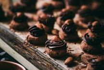 Candy Recipes / Candy recipes from the interwebs that I totally dig! Fudge, brittle, brickle, bark, bites, caramels, truffles, toffee, and chocolates. These pins are sure to satisfy all your Candy cravings!