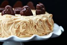 Peanut Butter Recipes / Peanut butter recipes from the interwebs that I totally dig! If you're craving peanut butter recipes this is the board for you. Bars, cookies, cakes, brownies, fudge, bark, parfaits, and more.