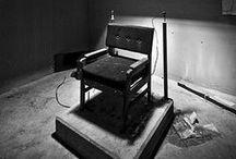 Abandoned / by Julia Isslamow