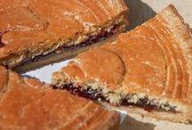 Bon appétit ! / délicieuses gourmandises, gâteaux, plats et autres assiettes de produits basques ... à Bidart on mange bien bien bien :)
