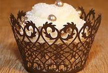 cake love / by Lara Ellery