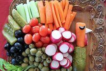 Thanksgiving Dinner Ideas / by Lisa Reiter