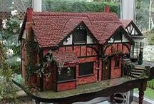 Dollhouse Inspiration and Miniatures / Ideas for customizing dollhouses. Inspirational photos for custom dollhouses. Miniature dollhouse accessories.