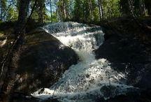 """Vähänojanköngäs / Vähänojankönkään """"tiimalasiputous"""" Rovaniemen itäosissa. Hourglass-shaped waterfall of Vähänojanköngäs in the eastern Rovaniemi."""