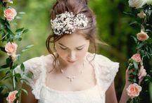 Secret Garden shoot / Secret garden meets Jane Austen wedding inspiration and ideas