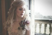 Victorian gothic photoshoot / A Victorian gothic inspired romance. Wedding inspiration and ideas.