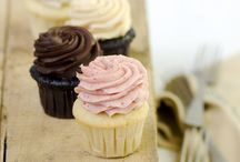 Small Cakes / Cupcakes and tiny desserts
