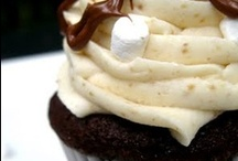 CUPCAKES / by Meredith Curtis