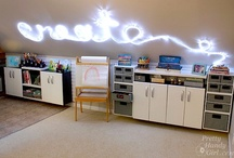 Studio/Craft Space / I love looking at craft rooms, studios, offices etc. <3