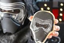 Star Wars Party Ideas // Michelle's Party Plan-It / Party Ideas for the biggest Star Wars fans!