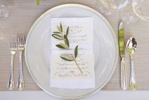 White+Green wedding / Thema: groen en wit op je bruiloft. Prachtige zachte wittinten, afgewisseld met natuurlijk groen. Zowel klassiek als modern.