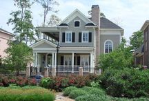 Home Exterior / by Danielle Chevalier