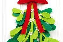 Christmas Crafts // Michelle's Party Plan-It / Crafts and projects for Christmas.