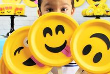 Emoji Party Ideas // Michelle's Party Plan-It / Emoji party ideas for birthday parties and celebrations