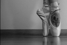 En Pointe / Pinterest reawakened my love of toe shoes!  I especially love red and black ones!