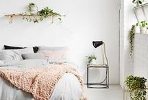 clean bohemian bedroom / Inspired design for fresh bedrooms that feel like a sanctuary.