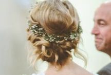 Hair + Flowers / Inspiration for brides thinking about wearing flowers on their wedding day