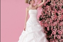 Wedding Dresses / by Amanda Lane