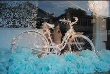 Window displays_Xmas ideas / Bunch of ideas for #holiday #xmas #window #displays