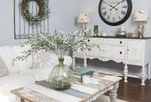 Style   Shabby Chic / Shabby Chic style has a soft, feminine feel. The style is uniquely romantic and consists of furniture that has seen a lot of wear and tear.