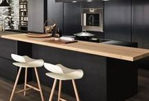 Color   Black / Black is one color that has  withstood the test of time. It defines the ideals of classic design. It has the power to redirect our focus and add a sense of architectural elegance.
