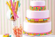 Candy Recipes / The best candy recipes around the web from hard candy to truffles too!