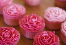 mmmmm CUPCAKES! / Cakes cupcakes and beautiful decorated sweet stuff / by Tanya Hoskinson Mantell