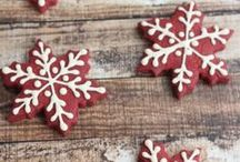 Christmas + Holiday Recipes / A fabulous collection of Christmas and holiday recipes from baking to appetizers and cocktails too!