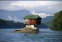 Habitations insolites / Retrouvez ici des habitations insolites et atypiques.  #Logement #Insolite