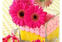 Spring Holidays / St. Patrick's Day, Easter, Mother's Day, Memorial Day, The First Day of Spring, all the fun holidays and events that make up spring! Crafts, images, recipes, decorating, messages and images for Spring.