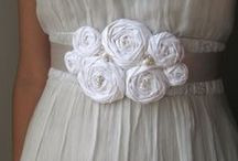 Ribbon Bows & Crafting / How to make bows and other crafts with ribbon. Gift wrap, hair bows, ribbon embroidery.