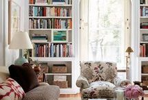 Living Room / The best living rooms gathered up on Pinterest.  Interior design inspiration!