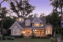 Home dream home / by Emily Ressegue