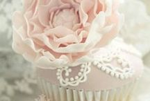 Sugar Flowers / by Buttercup .