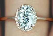 ENGAGEMENT RINGS / by Perfect Wedding Guide (National)