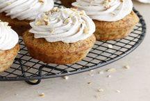 Cupcakes & Macaroons