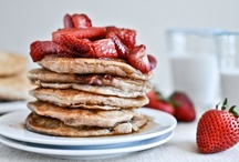 Recipes: Breakfast / waffles, pancakes, eggs, hash browns, etc / by Tyger Hovenga