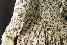 18th century: Floral robe à l'anglaise / 18th century gowns made out of floral cotton or linen.