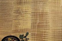 Parquet / Gold planks / The Cadorin Luxury collection. The wood hand-planed, brushed or saw cutting, form the perfect surface for the application of precious metals. Pavimenti in legno lavorato e piallato a mano, spazzolato o a taglio sega, ideale per l'applicazione di metalli preziosi.