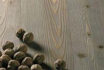 Parquet / Larch planks / Larch wood floor. Pavimento in legno di larice.