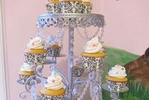 For the Love of Cupcakes / by Janet Moreno
