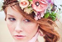 Inspiration coiffure nature / Puisez ici des idées de coiffures aux inspirations naturelles.. des fleurs, des couleurs, des tresses, des chignons <3